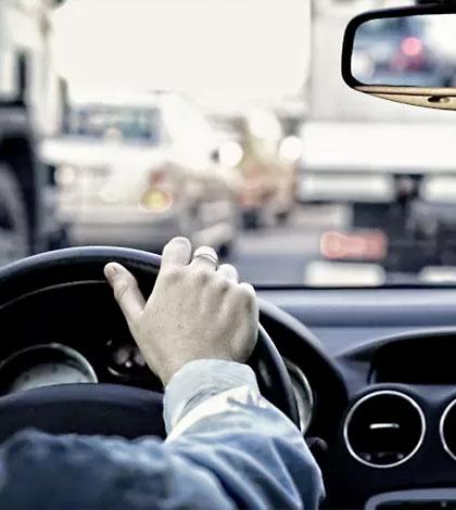 bilkörning ratt